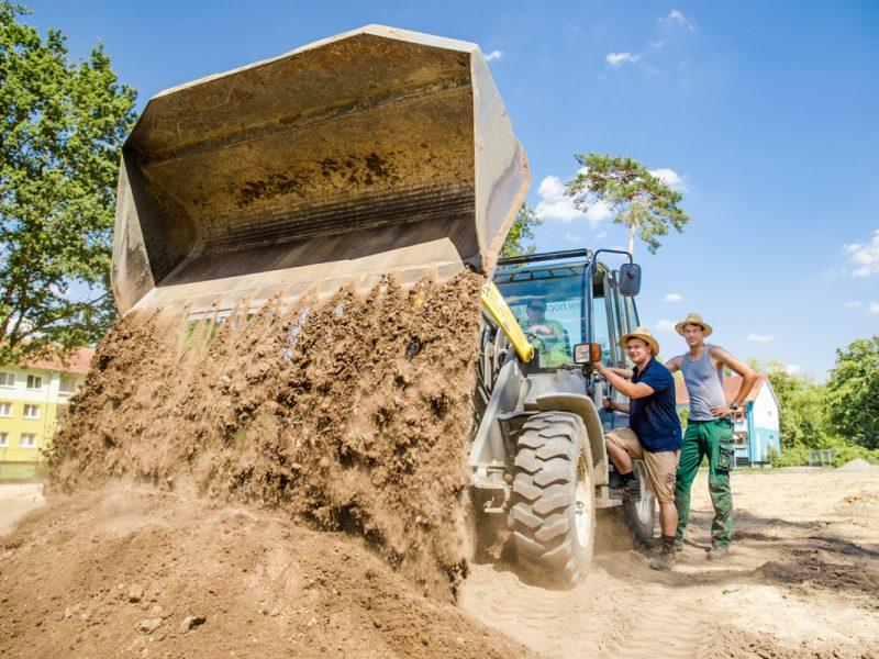 Bild mit Link zum Thema Erd- & Entwässerungsarbeiten