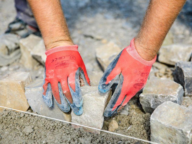Bild mit Link zum Thema Steinarbeiten